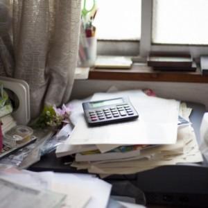 頭を整理したり、今年1年を振り返る上で、机の上を整理するがあります。